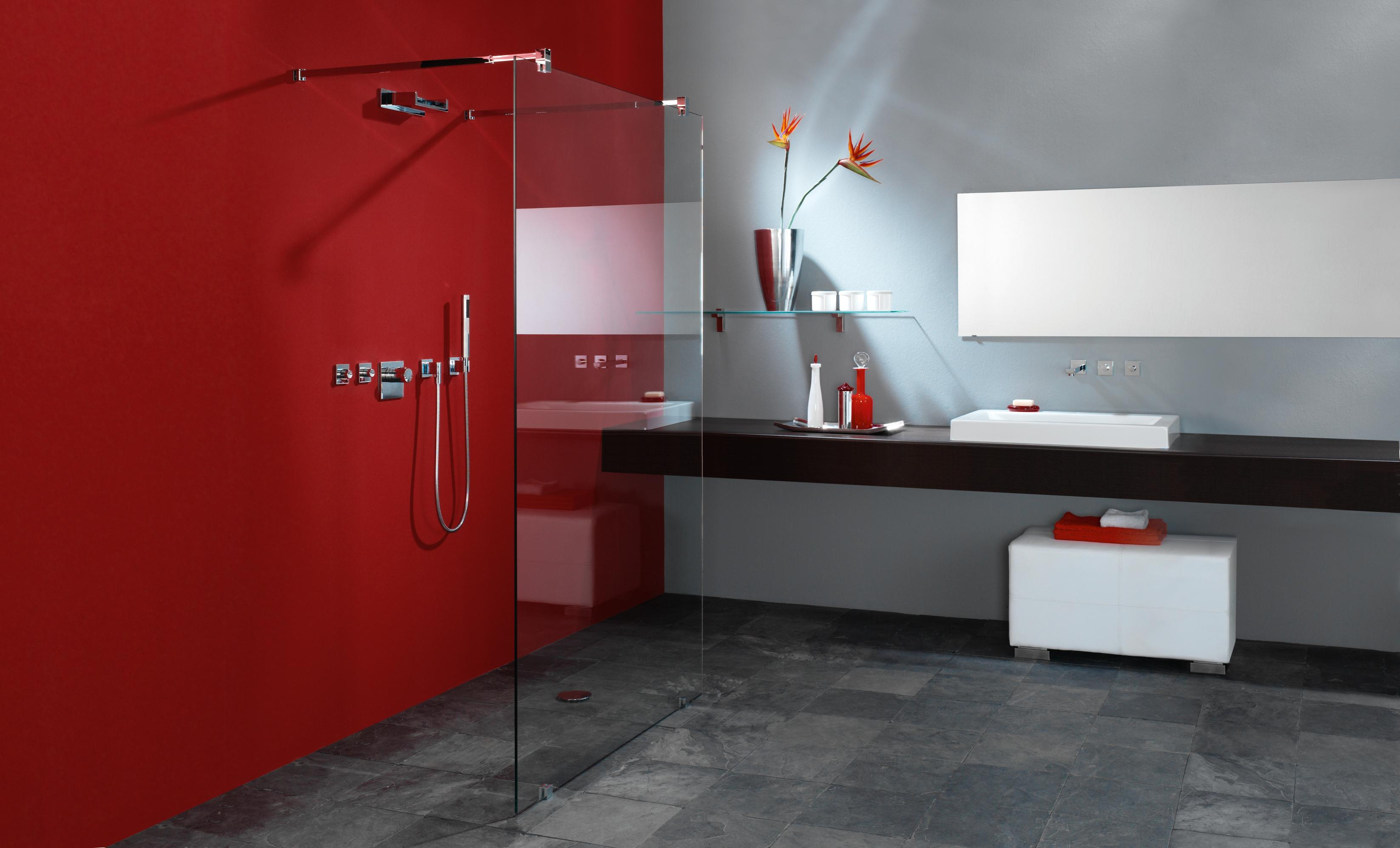 Glas im bad und badezimmer glas hetterich gmbh - Badezimmer farbe statt fliesen ...